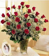 Amasya çiçek , çiçekçi , çiçekçilik  özel günler için 12 adet kirmizi gül