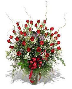 Amasya çiçek siparişi sitesi  33 adet kirmizi gül vazo içerisinde