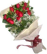 11 adet kirmizi güllerden özel buket  Amasya internetten çiçek siparişi