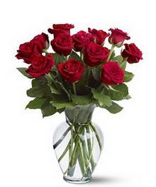 Amasya çiçek gönderme sitemiz güvenlidir  cam yada mika vazoda 10 kirmizi gül