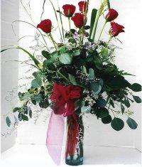 Amasya çiçek siparişi sitesi  7 adet gül özel bir tanzim