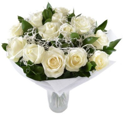 15 beyaz gül buketi sade aşk  Amasya çiçek satışı