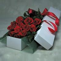 Amasya online çiçek gönderme sipariş  11 adet gülden kutu