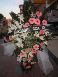 kazablanka,gerbera,sebboy ferforje  Amasya çiçekçi mağazası