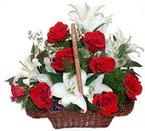 sepette gül ve kazablankalar   Amasya çiçekçi mağazası