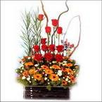 sepet içerisinde güller   Amasya çiçekçi mağazası