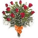 bir düzine kirmizi gül buketi   Amasya çiçek gönderme sitemiz güvenlidir