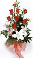 güller ve kazablankalardan   Amasya çiçek , çiçekçi , çiçekçilik