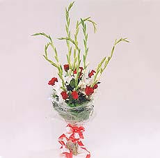 7 adet kirmizi gül ve glayör  Amasya çiçek yolla