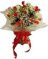 12 adet kirmizi gül buketi   Amasya çiçek yolla