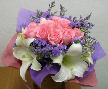 güller ve kazablanka buketi  Amasya çiçekçi mağazası