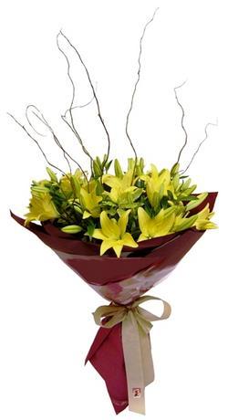 Amasya çiçekçi mağazası  5 adet lilyum dan buket sade ve sik