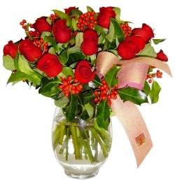 Amasya çiçekçi mağazası  11 adet kirmizi gül  cam aranjman halinde