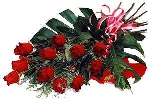 10 adet gül buketi sade ve sik bir haldedir  Amasya çiçekçi mağazası