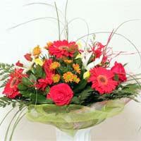 küçük karisik minyon demet  Amasya çiçek siparişi sitesi