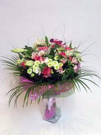 Amasya hediye çiçek yolla  karisik mevsim buketi mevsime göre hazirlanir.