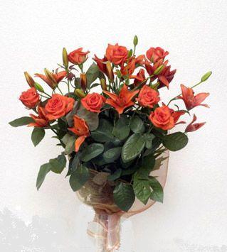 9 adet gül ve 3 adet lilyum çiçegi buketi   Amasya cicek , cicekci