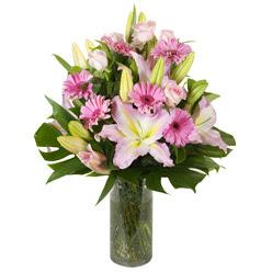 vazo içerisinde karisik mevsim çiçekleri  Amasya internetten çiçek siparişi