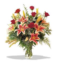 Amasya çiçek servisi , çiçekçi adresleri  Pembe Lilyum ve Gül