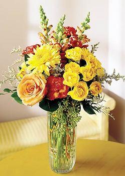 Amasya 14 şubat sevgililer günü çiçek  mika yada cam içerisinde karisik mevsim çiçekleri