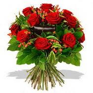 9 adet kirmizi gül ve kir çiçekleri  Amasya internetten çiçek satışı