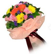 Amasya çiçekçi mağazası  Karisik mevsim çiçeklerinden demet