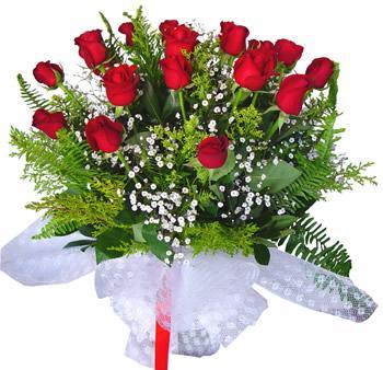 11 adet gösterisli kirmizi gül buketi  Amasya internetten çiçek satışı