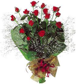 11 adet kirmizi gül buketi özel hediyelik  Amasya çiçekçi mağazası