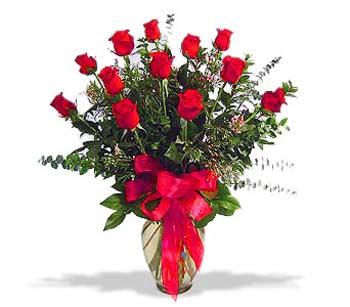 çiçek siparisi 11 adet kirmizi gül cam vazo  Amasya online çiçek gönderme sipariş