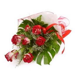 Çiçek gönder 9 adet kirmizi gül buketi  Amasya çiçek siparişi vermek