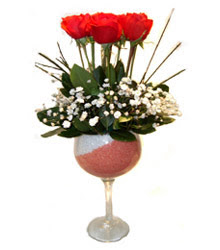 Amasya çiçekçiler  cam kadeh içinde 7 adet kirmizi gül çiçek