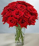 Amasya çiçekçi mağazası  cam vazoda 11 kirmizi gül  Amasya hediye sevgilime hediye çiçek