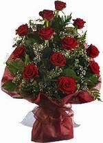 Amasya çiçekçiler  9 Adet kirmizi gül buketi