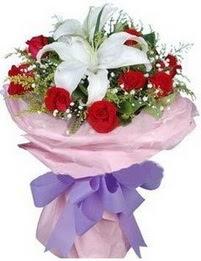 9 adet kirmizi gül 1 adet kazablanka buketi  Amasya çiçekçi mağazası