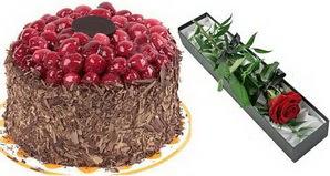 1 adet yas pasta ve 1 adet kutu gül  Amasya uluslararası çiçek gönderme
