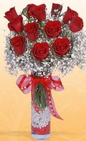10 adet kirmizi gülden vazo tanzimi  Amasya çiçek siparişi sitesi