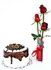 Amasya çiçek siparişi vermek  vazoda 3 adet kirmizi gül ve yaspasta
