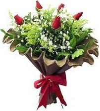 Amasya online çiçek gönderme sipariş  5 adet kirmizi gül buketi demeti