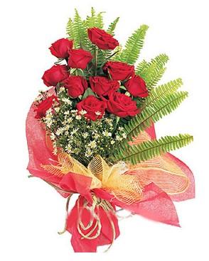 Amasya İnternetten çiçek siparişi  11 adet kırmızı güllerden buket modeli