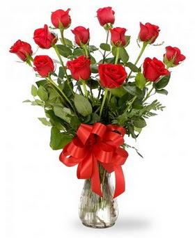 Amasya çiçek , çiçekçi , çiçekçilik  12 adet kırmızı güllerden vazo tanzimi