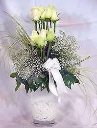 Amasya online çiçek gönderme sipariş  9 adet vazoda beyaz gül - sevdiklerinize çiçek seçimi