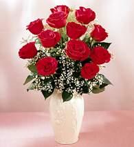 Amasya çiçekçi mağazası  9 adet vazoda özel tanzim kirmizi gül