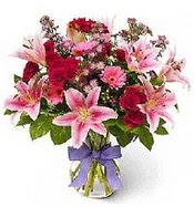 Vazo içerisinde karışık mevsim çiçeği  Amasya çiçek siparişi sitesi