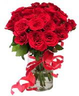 21 adet vazo içerisinde kırmızı gül  Amasya çiçek satışı