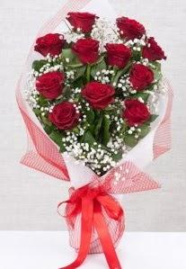 11 kırmızı gülden buket çiçeği  Amasya 14 şubat sevgililer günü çiçek