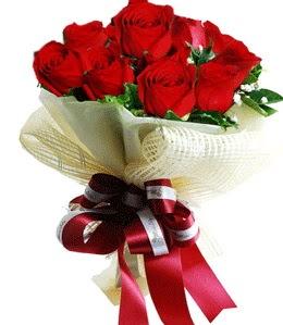 9 adet kırmızı gülden buket tanzimi  Amasya çiçek gönderme sitemiz güvenlidir