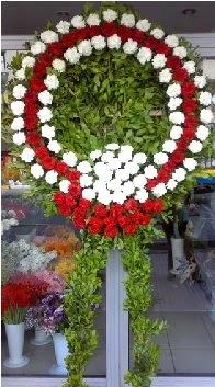 Cenaze çelenk çiçeği modeli  Amasya anneler günü çiçek yolla