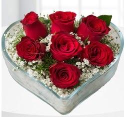 Kalp içerisinde 7 adet kırmızı gül  Amasya çiçek servisi , çiçekçi adresleri