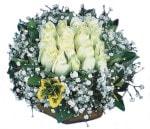 Amasya çiçekçiler  Beyaz harika bir gül sepeti