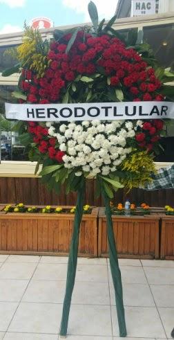 Cenaze çelengi cenazeye çiçek modeli  Amasya çiçek satışı
